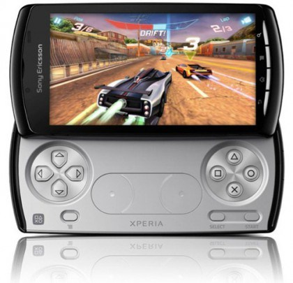 Xperia Play 4G gaming device